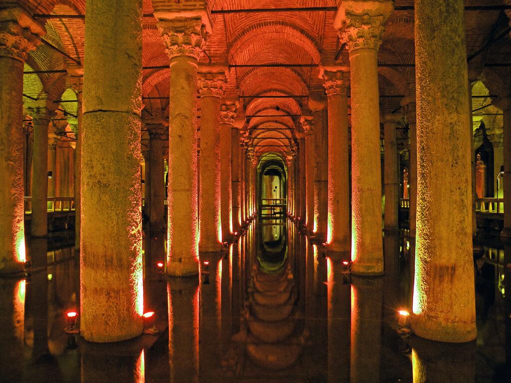 Istanbul Guide : Cistern Basilica