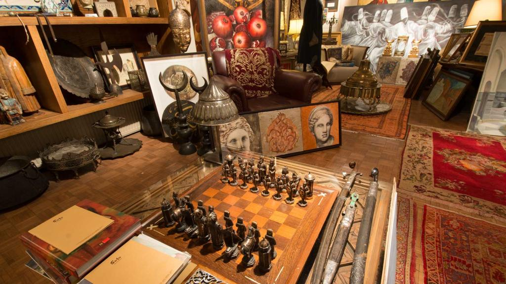 Istanbul Guide : Art dealers
